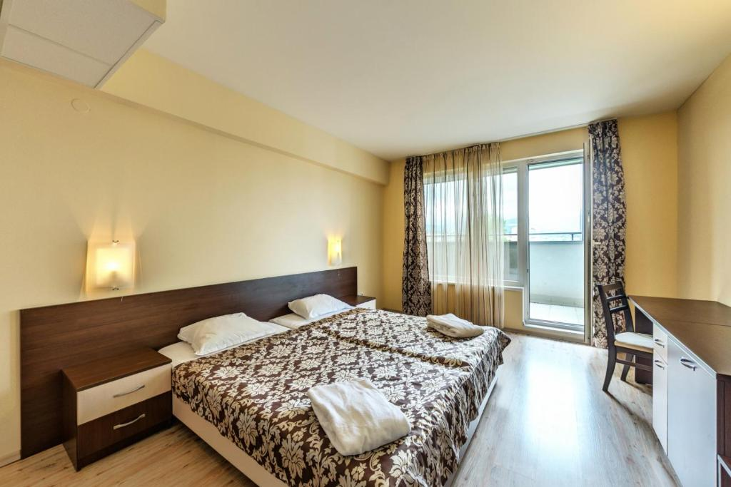 Отель  Hotel Arena  - отзывы Booking