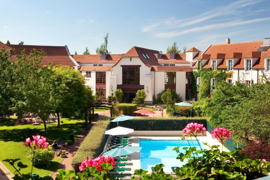 Отель  Le Manoir de Gressy  - отзывы Booking