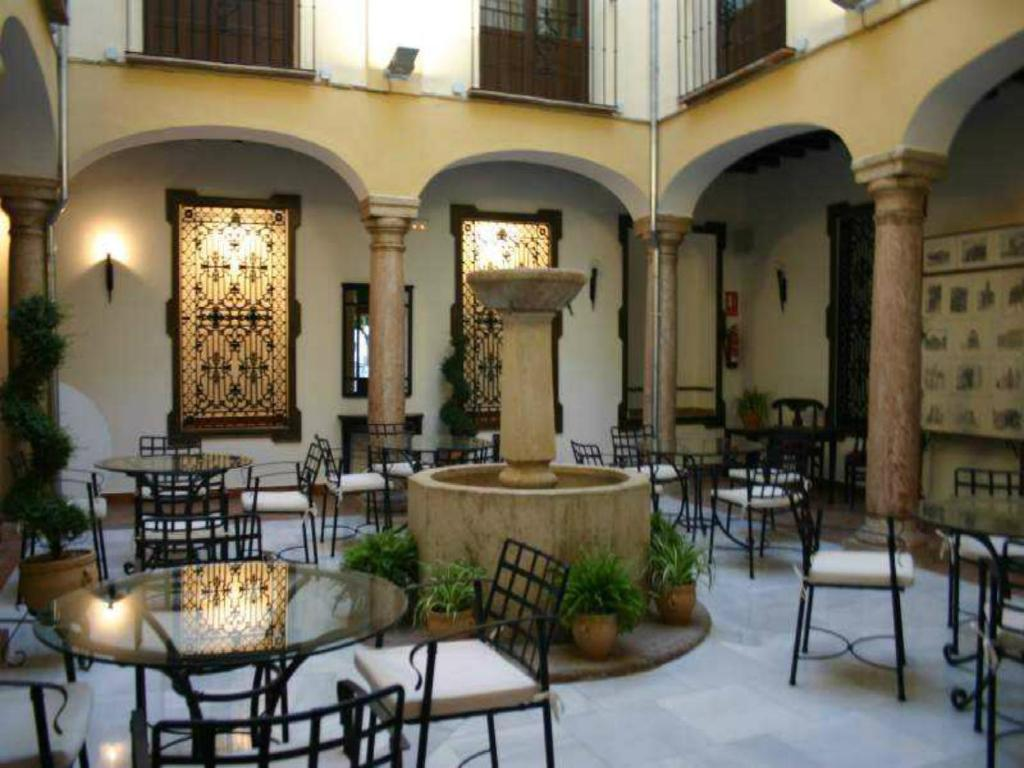 Отель  Coso Viejo
