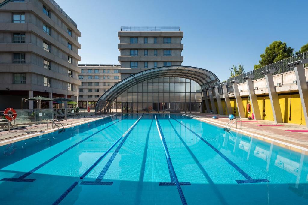 Апарт-отель Madrid Airport Suites, Affiliated By Meliá
