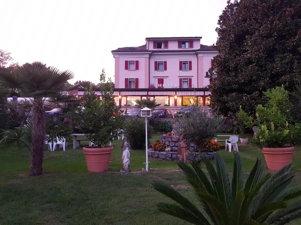 Отель  Park Hotel Rovio  - отзывы Booking