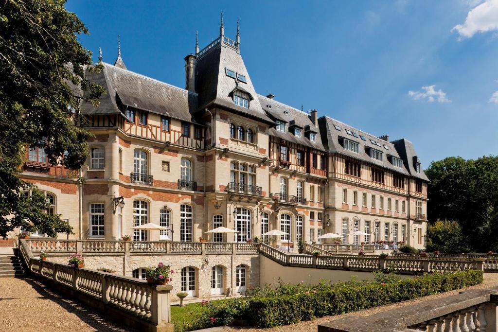 Отель  Chateau de Montvillargenne  - отзывы Booking