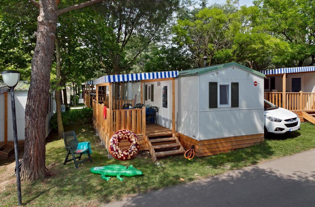 Кемпинг  Albatross Mobile Homes on Camping Cisano & San Vito S. p. A.  - отзывы Booking