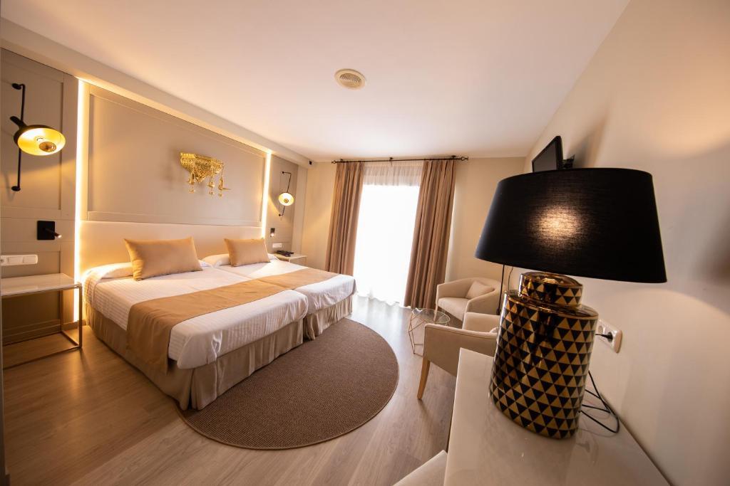 Отель Hotel Casablanca - отзывы Booking