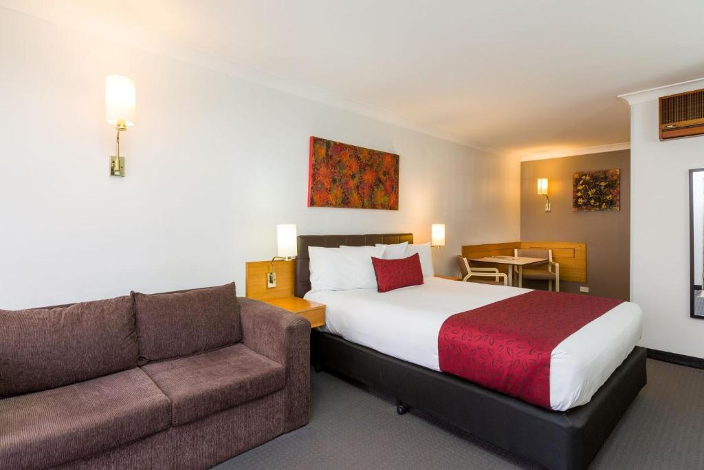 Мотель  Hermitage Motor Inn