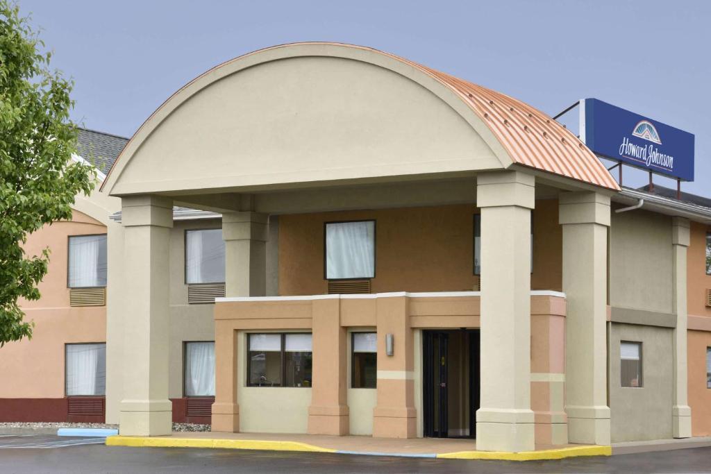 Отель  Отель  Howard Johnson By Wyndham Allentown/Dorney Hotel & Suites