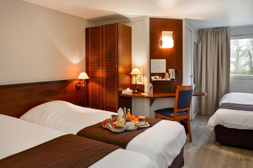 Отель  Kyriad Orléans Sud Olivet  - отзывы Booking