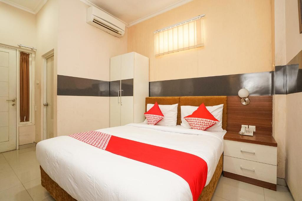 Отель  OYO 450 Semampir Residence