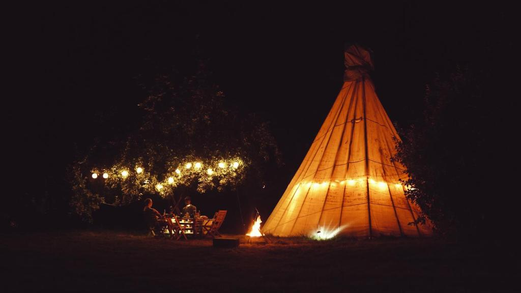 Фото  Люкс-шатер  White House On Wye Glamping