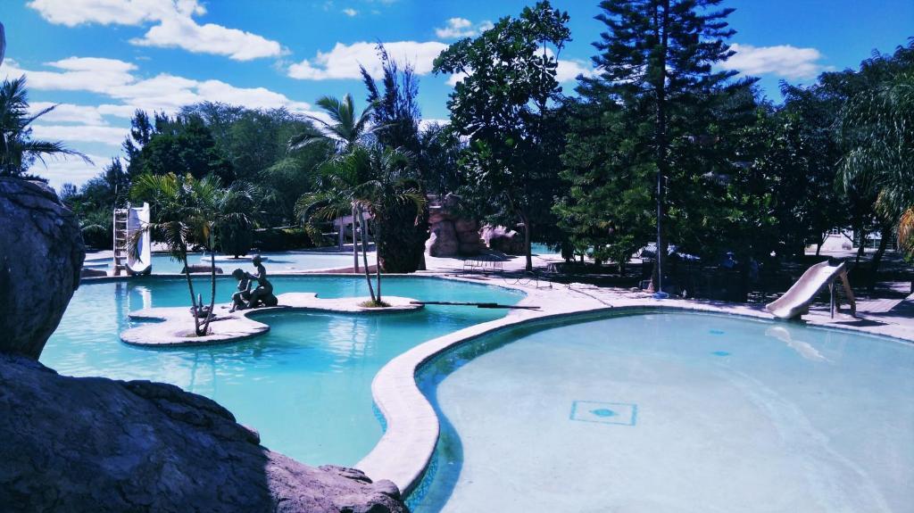 Лодж Dream Valley Park & Lodge - отзывы Booking