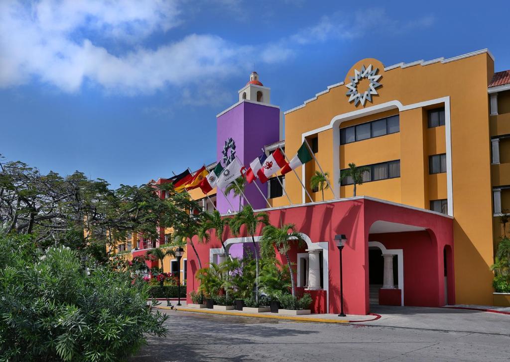 Отель  Adhara Hacienda Cancun  - отзывы Booking