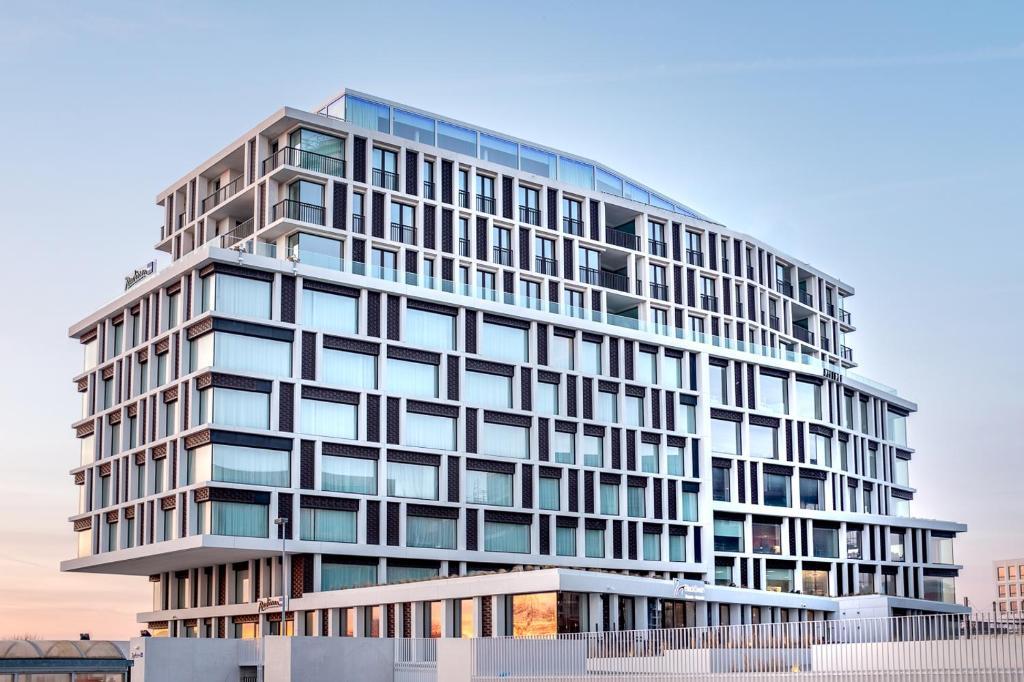 Отель  Radisson Blu Hotel, Bruges  - отзывы Booking