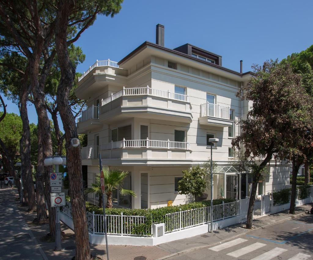 Апарт-отель  White Suite Riccione  - отзывы Booking