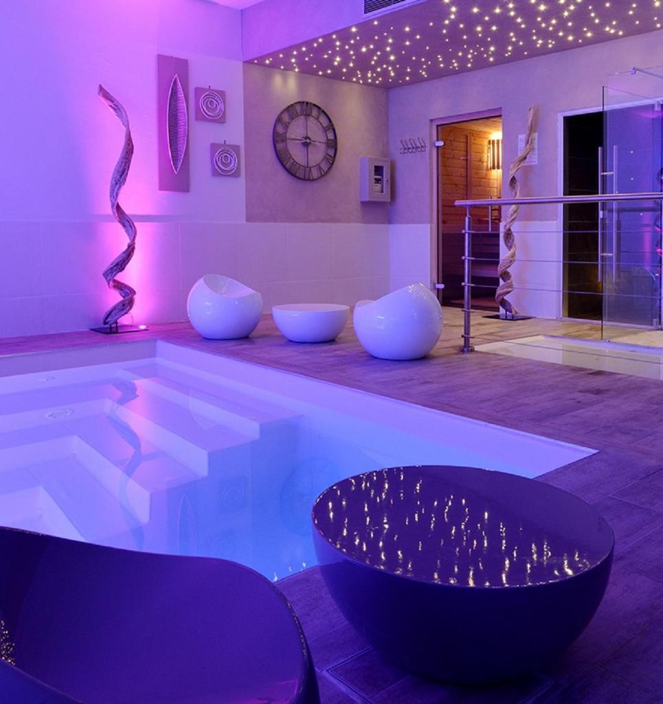 Отель  Grand Hôtel des Bains SPA  - отзывы Booking