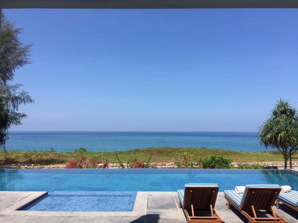 Вилла  The White Pearl 8BR Modern Beachfront Pool Villa  - отзывы Booking