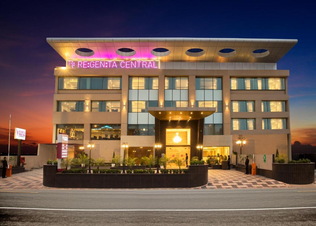 Отель  Отель  Regenta Central Cassia Zirakpur Chandigarh