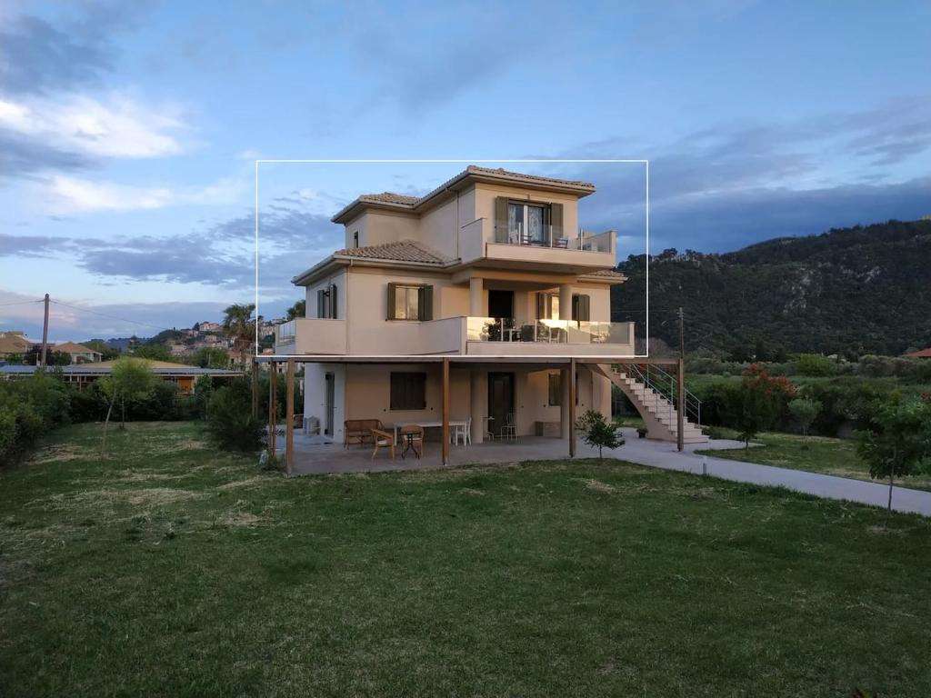 Дом для отпуска  Galazio Beach Villa  - отзывы Booking