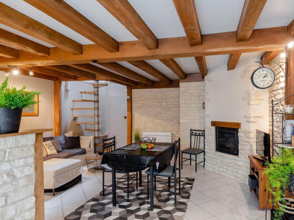 Апартаменты/квартира  La cour de Cremieu  - отзывы Booking