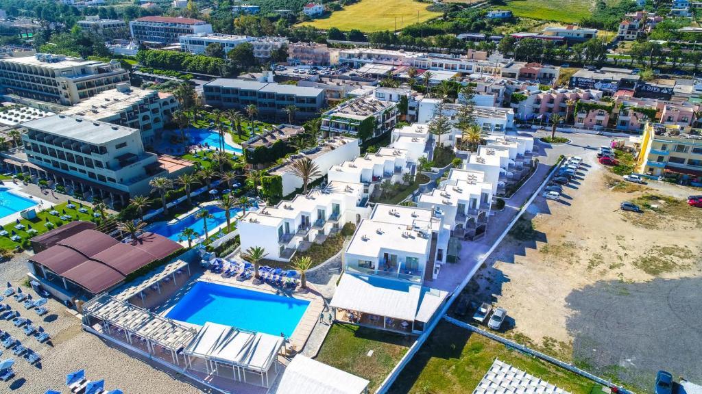 Отель Adele Beach Hotel - отзывы Booking