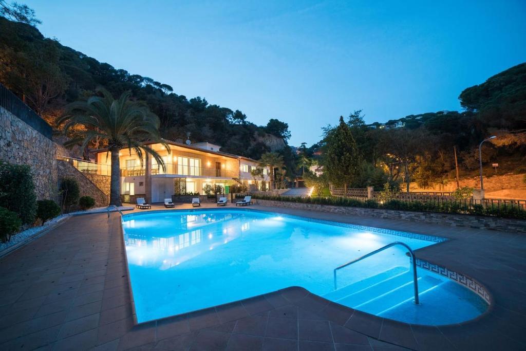 Вилла CANYELLES BEACH COSTA BRAVA-INCL. ACTIVITIES-22PAX - отзывы Booking