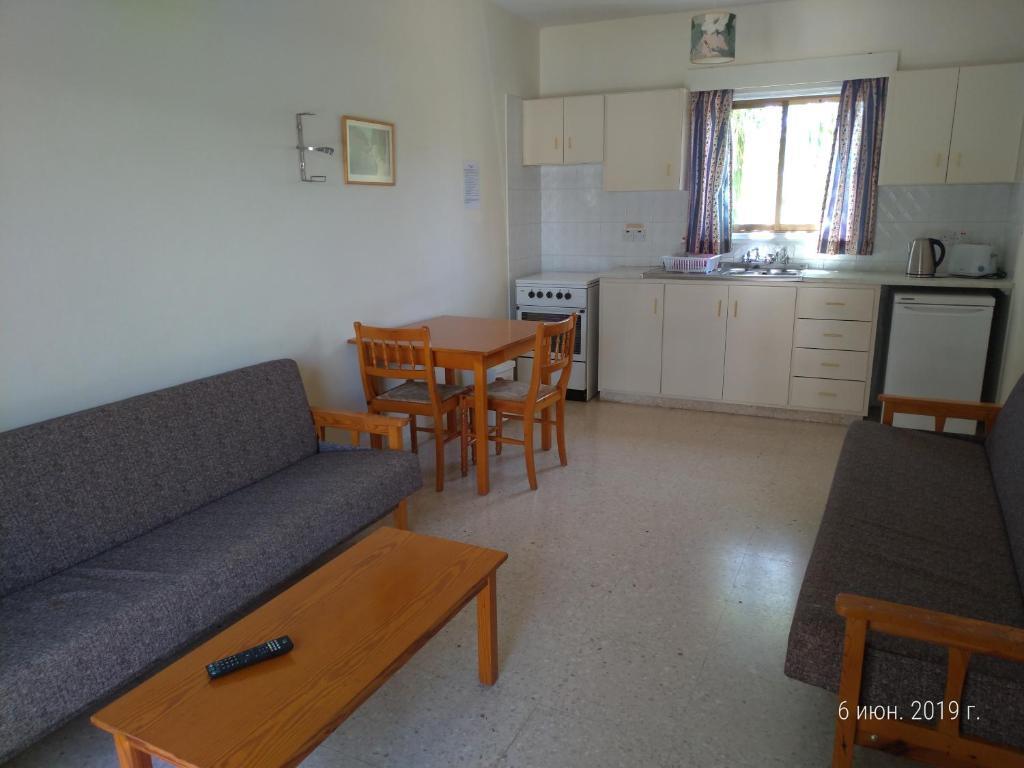 Апартаменты/квартиры  Constantaras Apartments  - отзывы Booking