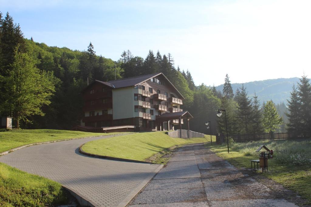 Отель Monte Cervo Bio Hotel & Spa