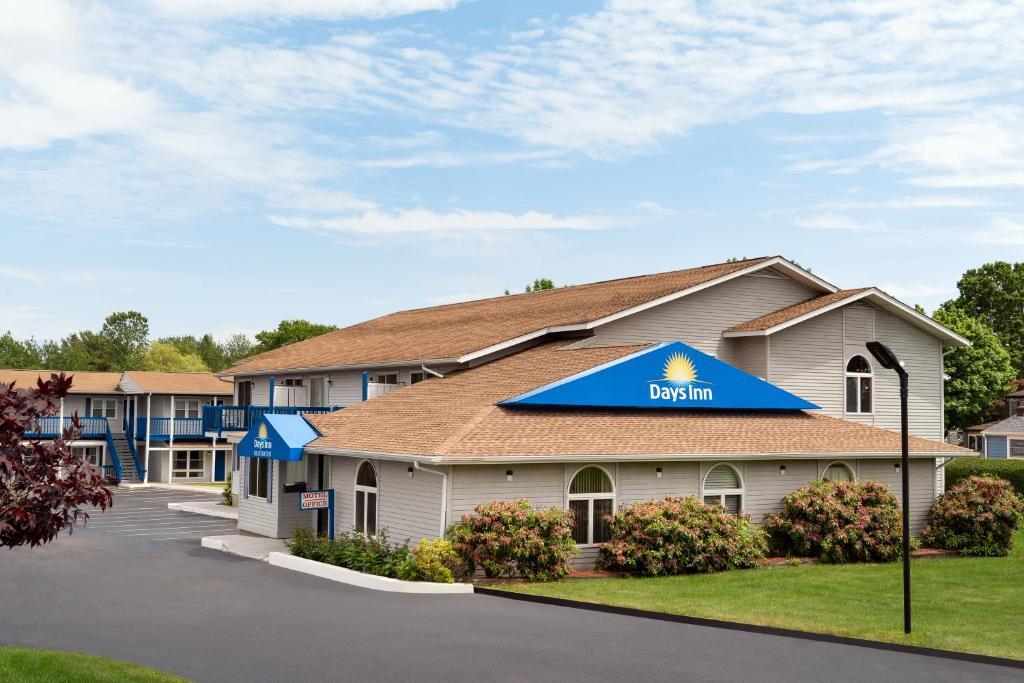 Отель  Days Inn by Wyndham Middletown/Newport Area  - отзывы Booking