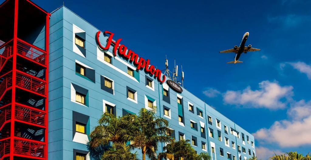 Отель  Hampton By Hilton Guarulhos Airport