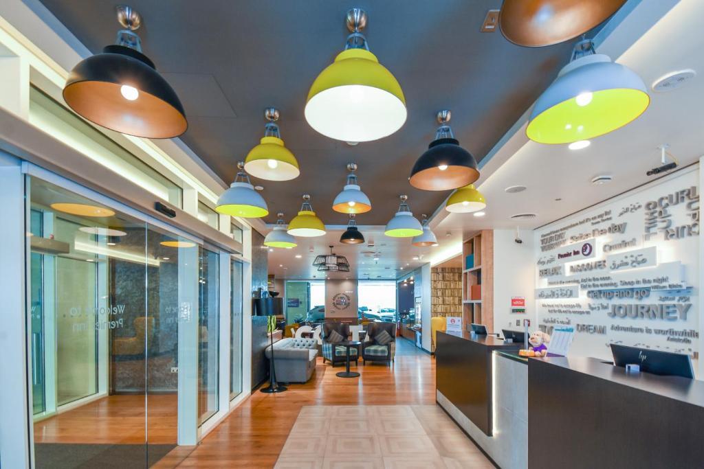 Отель Premier Inn Dubai Al Jaddaf - отзывы Booking