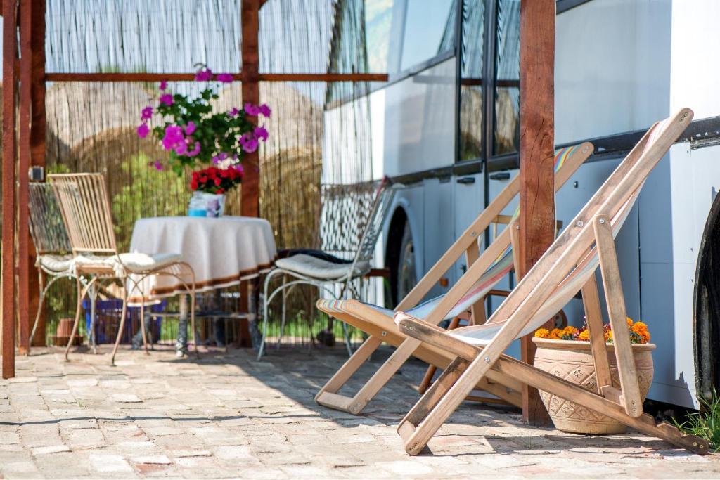 Дом для отпуска  Atomi CountryBus  - отзывы Booking