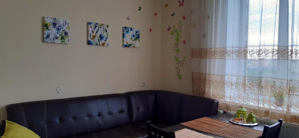 Апартаменты/квартира Апартаменты на Бутлерова 11 к 4 - отзывы Booking