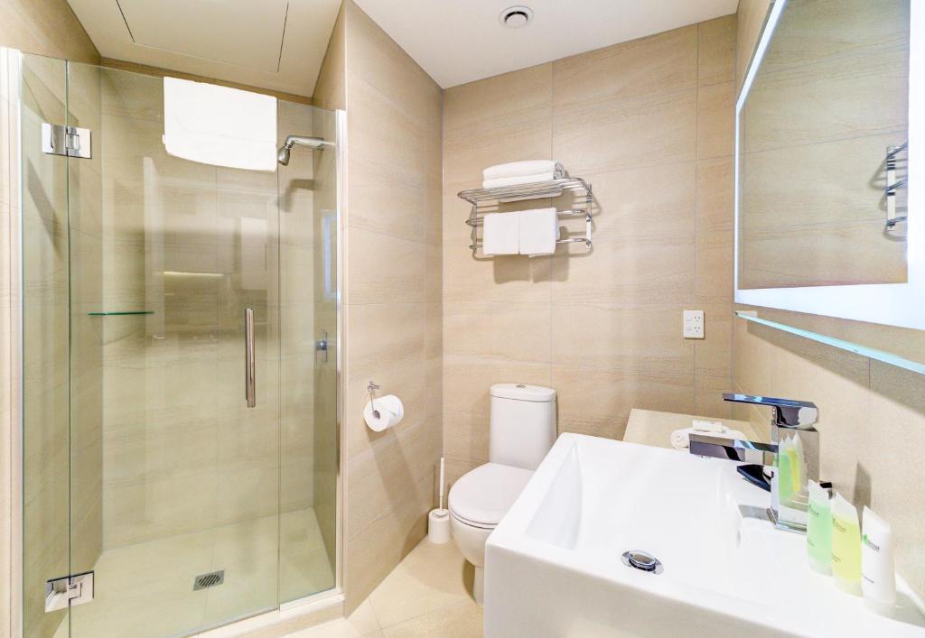 Апарт-отель  VR Queen Street Hotel & Suites