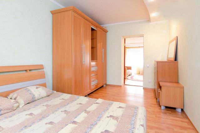 Апартаменты/квартира  Двухкомнатная на набережной  - отзывы Booking