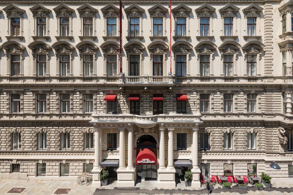 Отель  Hotel Rathauspark Wien, a member of Radisson Individuals  - отзывы Booking