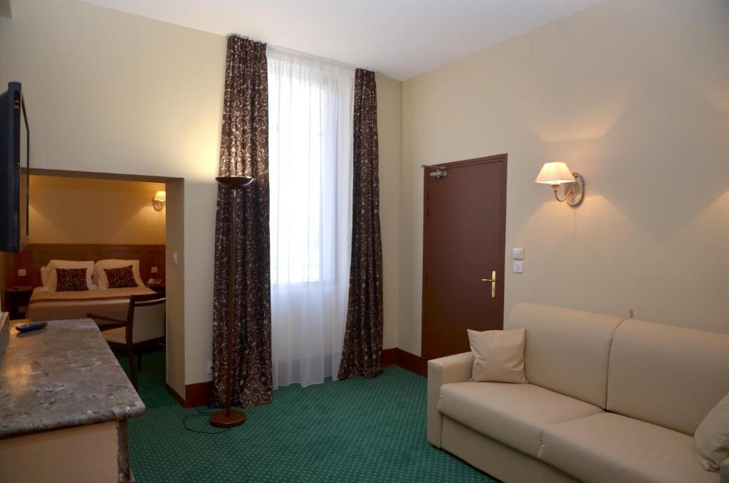 Отель  Hôtel Héliot  - отзывы Booking
