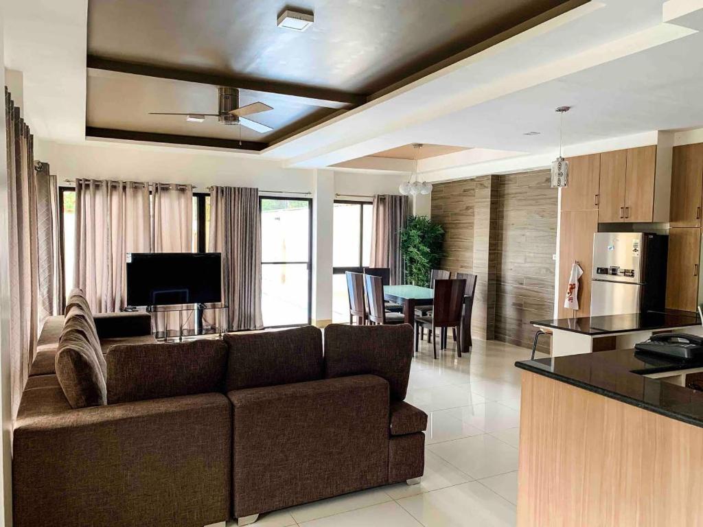 Вилла Eli Villa Cebu - Your Cozy Spacious Uphill Home