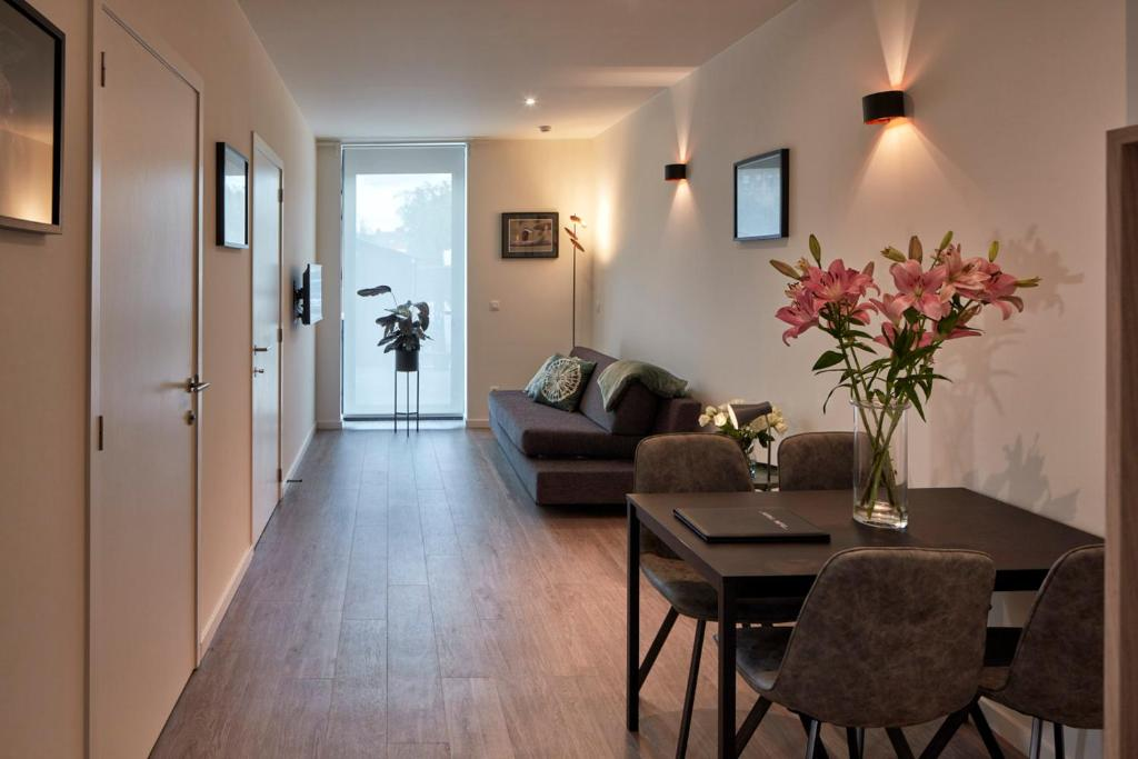 Отель Alpha Hotel and Aparthotel - отзывы Booking