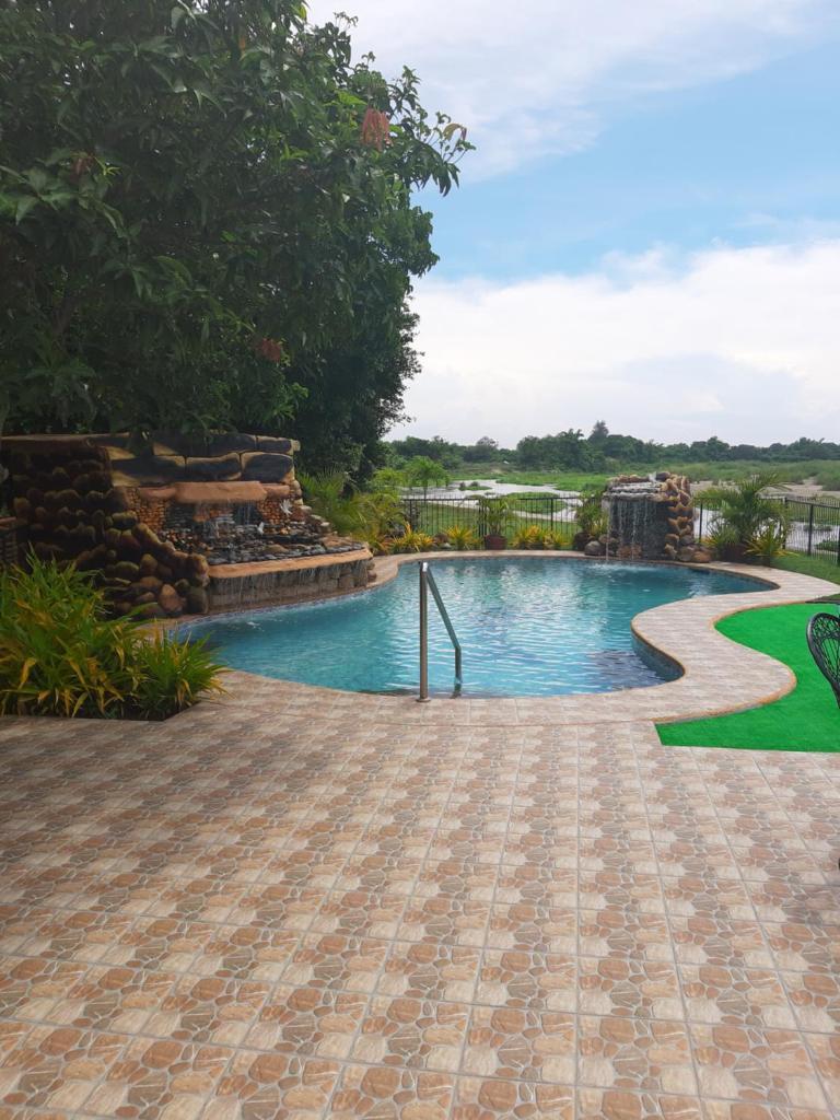 Курортный отель  Monty's Riverside View Resort  - отзывы Booking
