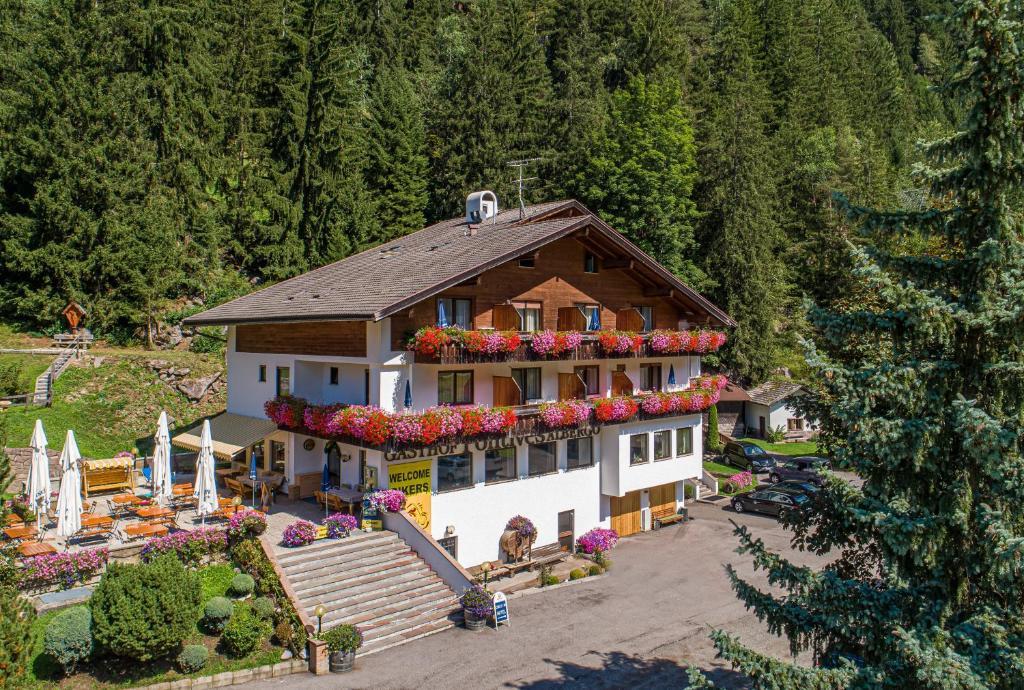 Отель Hotel Pontives - отзывы Booking
