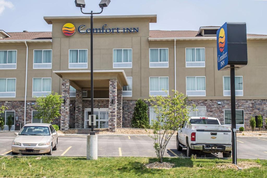 Отель  Comfort Inn Saint Clairsville  - отзывы Booking