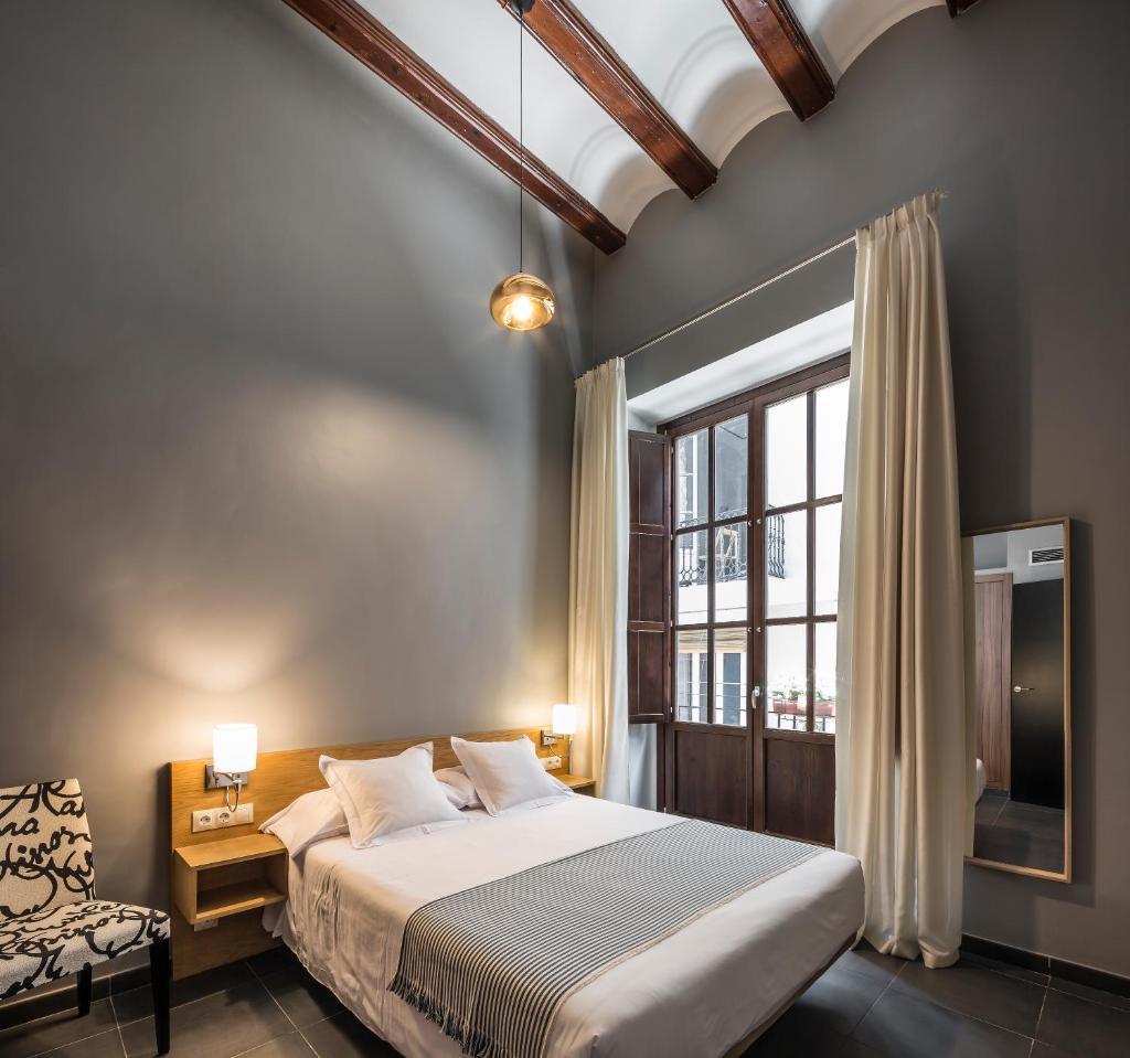 Апартаменты/квартиры  Mon Suites San Nicolas  - отзывы Booking