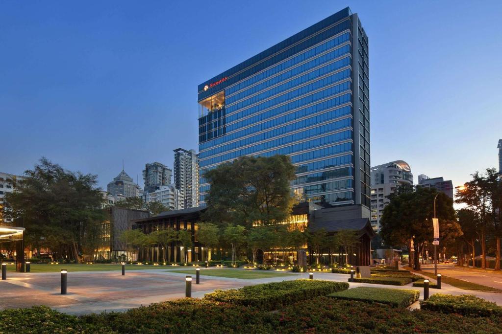 Отель  Отель  Ramada By Wyndham Singapore At Zhongshan Park (SG Clean)