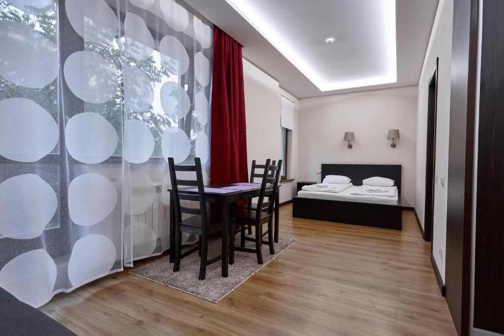Гостевой дом  Vverh Guesthouse  - отзывы Booking