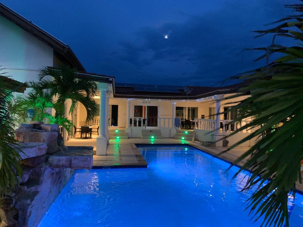 Апарт-отель  Boutique Hotel Swiss Paradise Aruba Villas And Suites