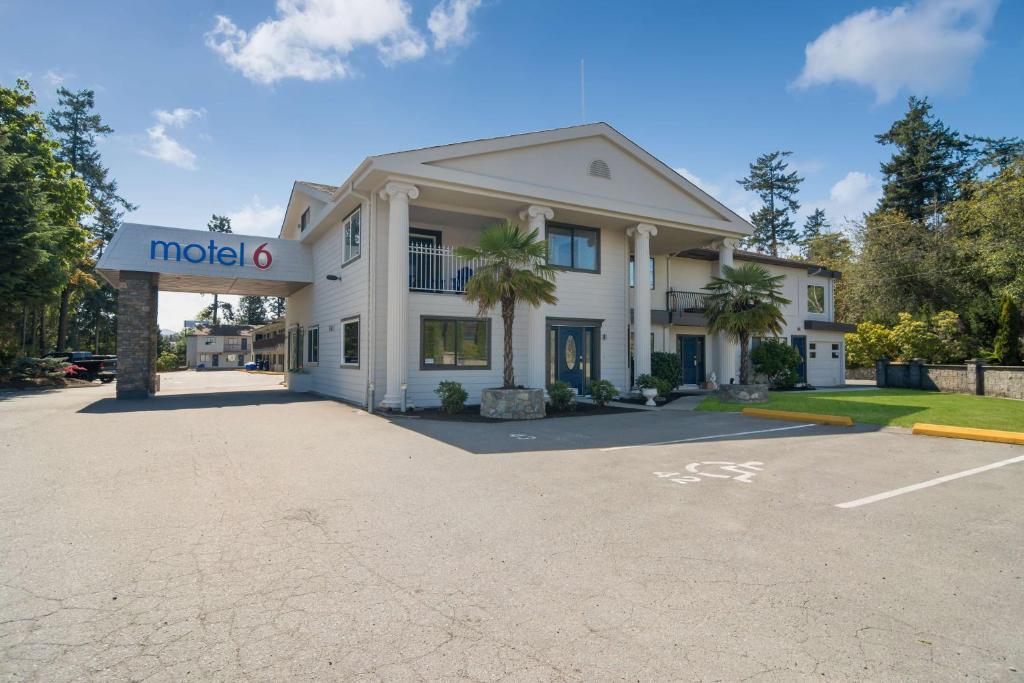 Отель  Motel 6-Saanichton, BC - Victoria Airport  - отзывы Booking