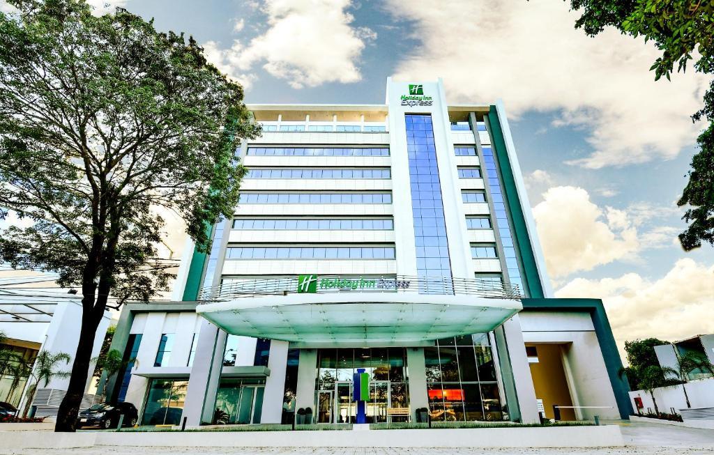 Отель  Отель  Holiday Inn Express - Asuncion Aviadores, An IHG Hotel