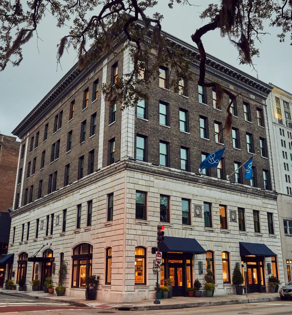Отель  The Drayton Hotel  - отзывы Booking