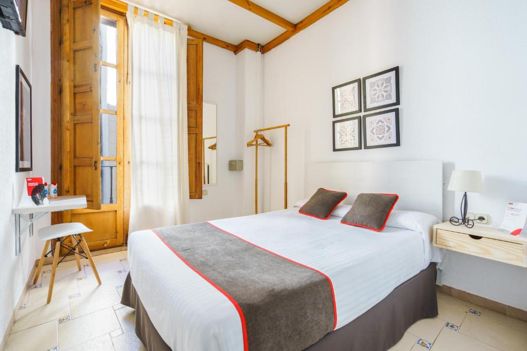 Гостевой дом  OYO Hostal Austria  - отзывы Booking