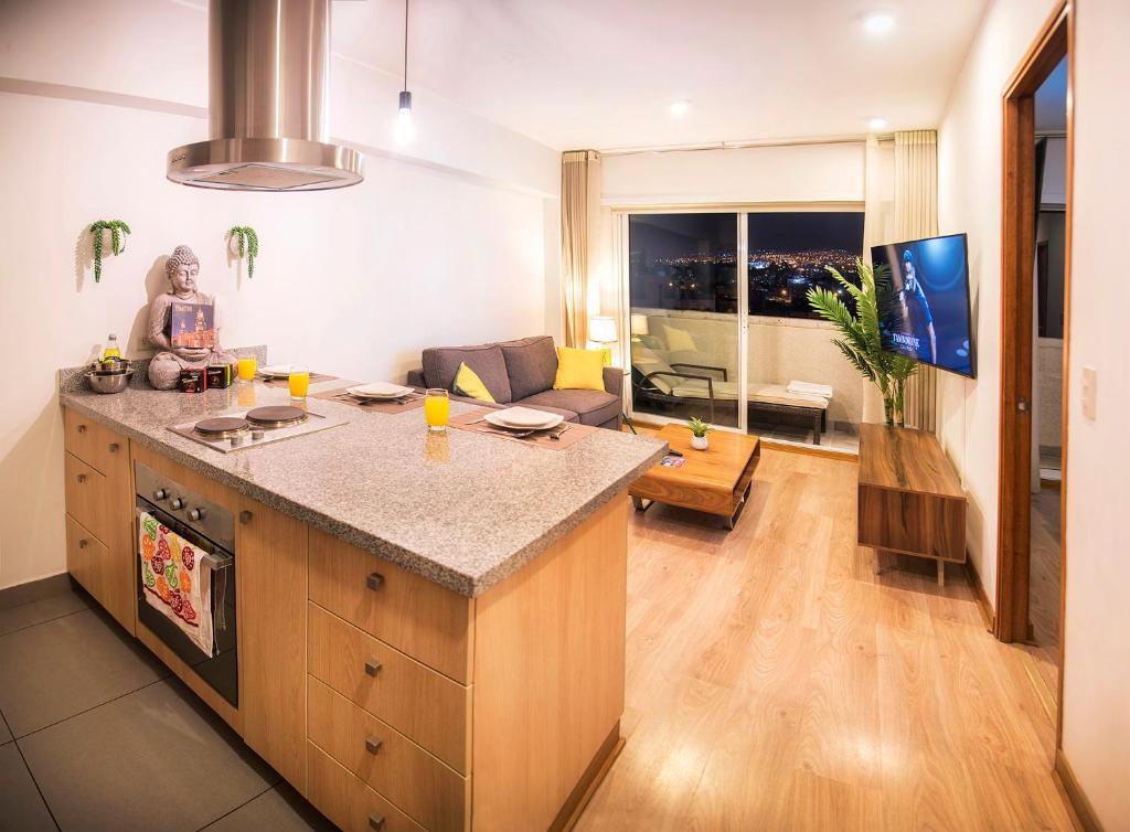 Апартаменты/квартира Resort Style Condo Near Heart Of AQP - Gym, Pool & Netflix