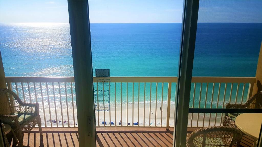 Апартаменты/квартиры Pelican Beach Resort Rentals - отзывы Booking